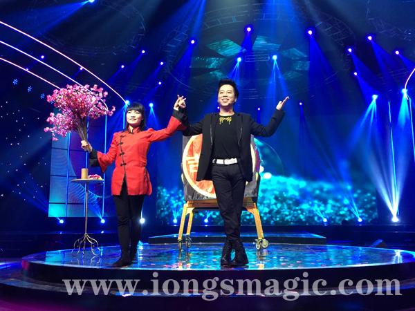 翁達智為六大電視台表演魔術 春節期間播出